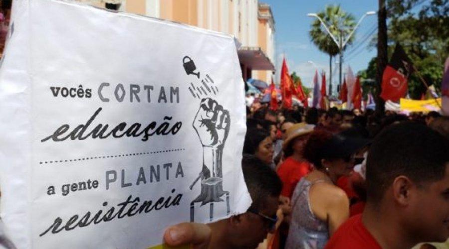 [Na educação, Brasil anda para trás. Desmonte]
