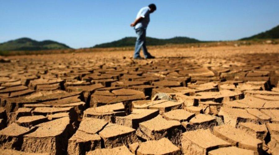[Falta de água no país ameaça mais de 60 milhões]