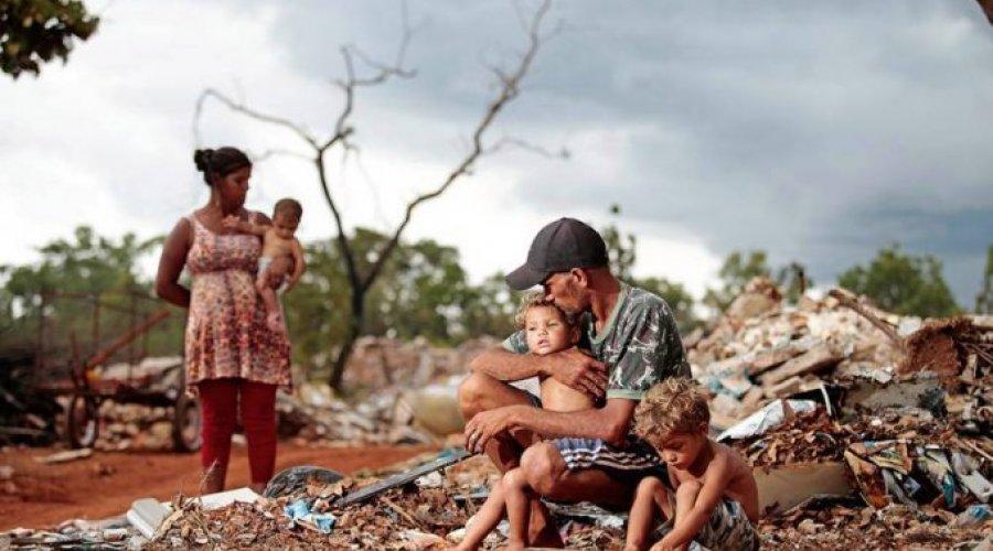 [ No Brasil, 70 mi de pessoas estão na pobreza]