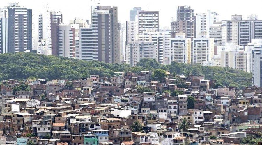 [Mais ricos têm riqueza igual ao PIB do Equador]